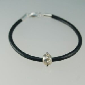 Armband m silverpärla